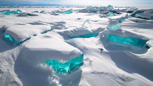 ice-canyon-iceland